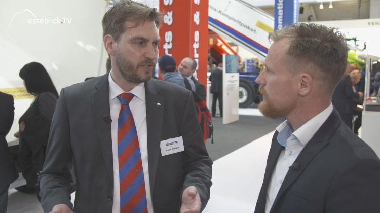 Frank Reinartz, Schmitz Cargobull mit Moderator Klas Bömecke - bauma 2016