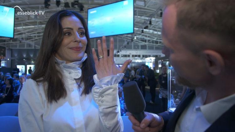 Funda Vanroy zeigt Ihren Ring - Inhorgenta Munich 2016