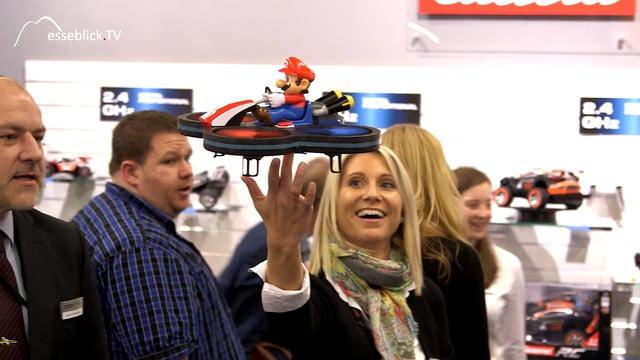 Carrera RC: Mario Quadrocopter + Turnator zur Spielwarenmesse