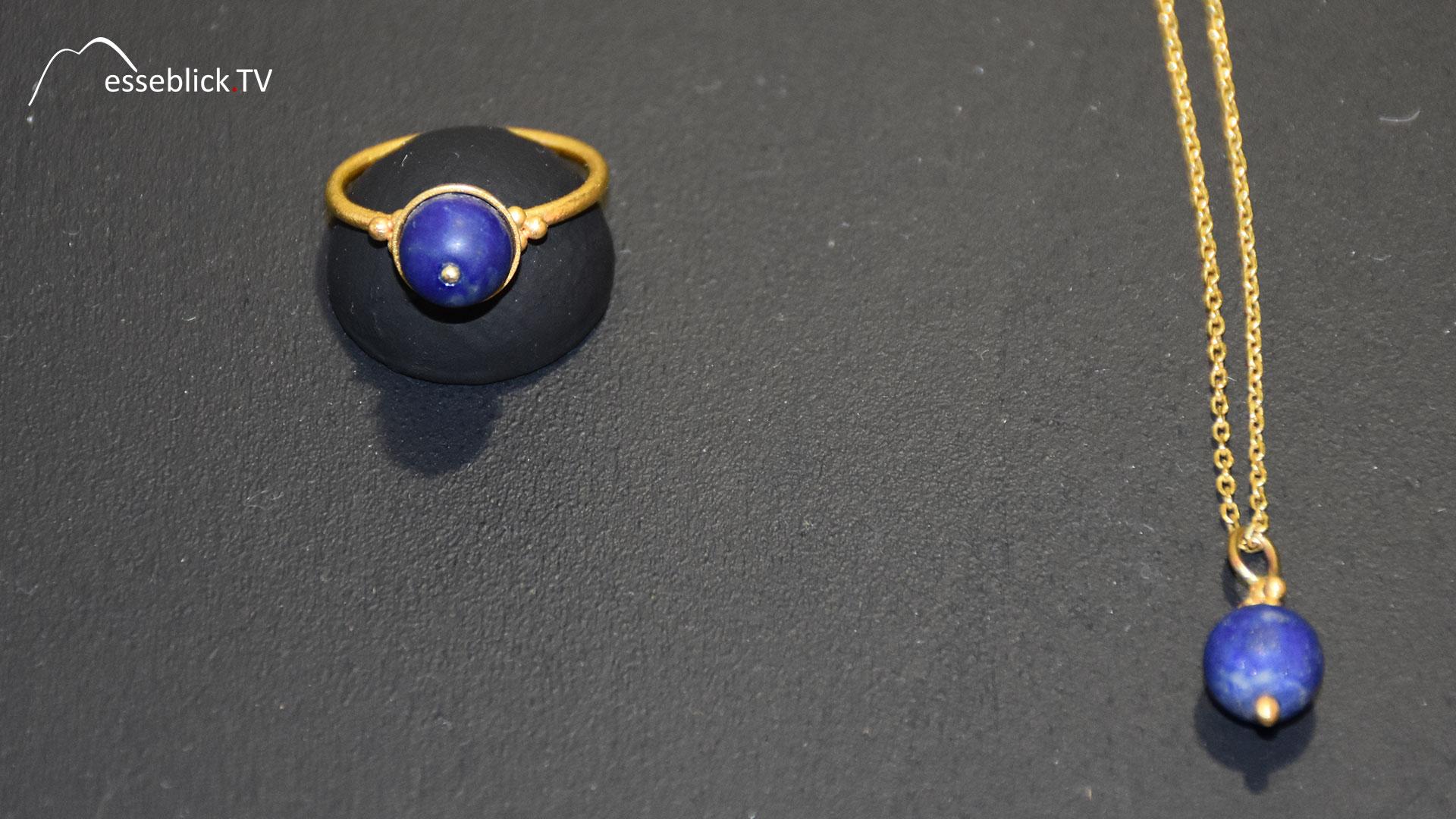 Goldschmuck: Ring und Kette