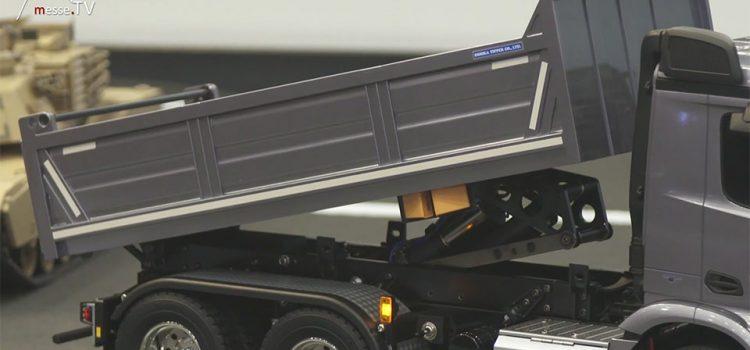 Tamiya Benz Tipper Truck grau - Spielwarenmesse