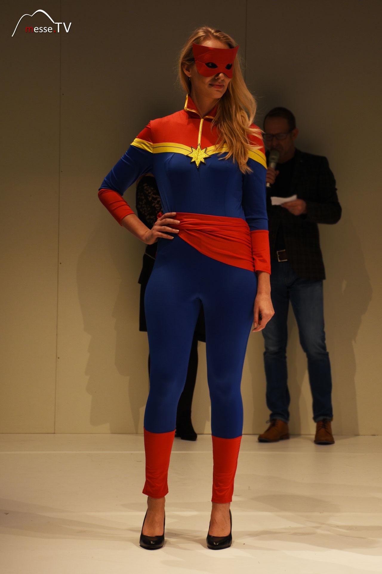 Superhelden Kostüm