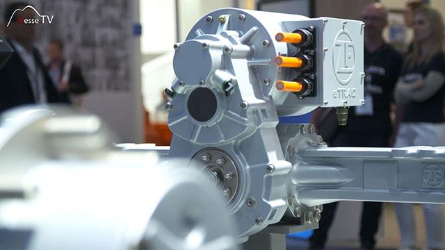 ZF Friedrichshafen elektrifizierter Antriebsstrang Kompaktlader Dreiwellengetriebe