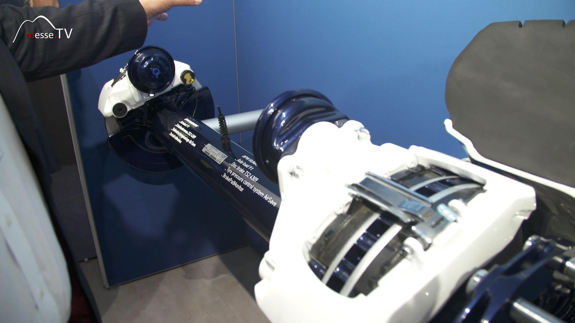BPW AirSafe: Reifenregeldrucksystem mit Druckluftbehaelter des Trailers verbunden