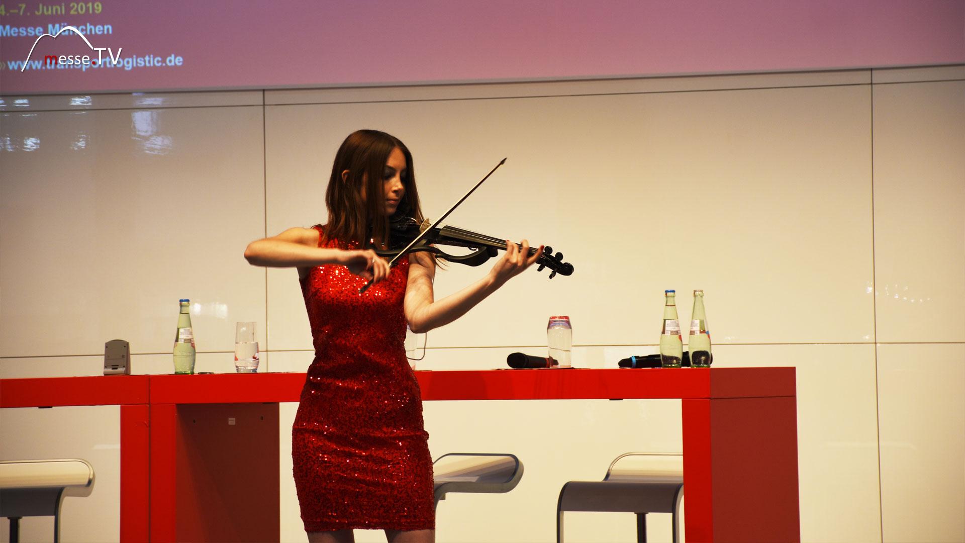 Eröfffnung transport logistic e-Violine