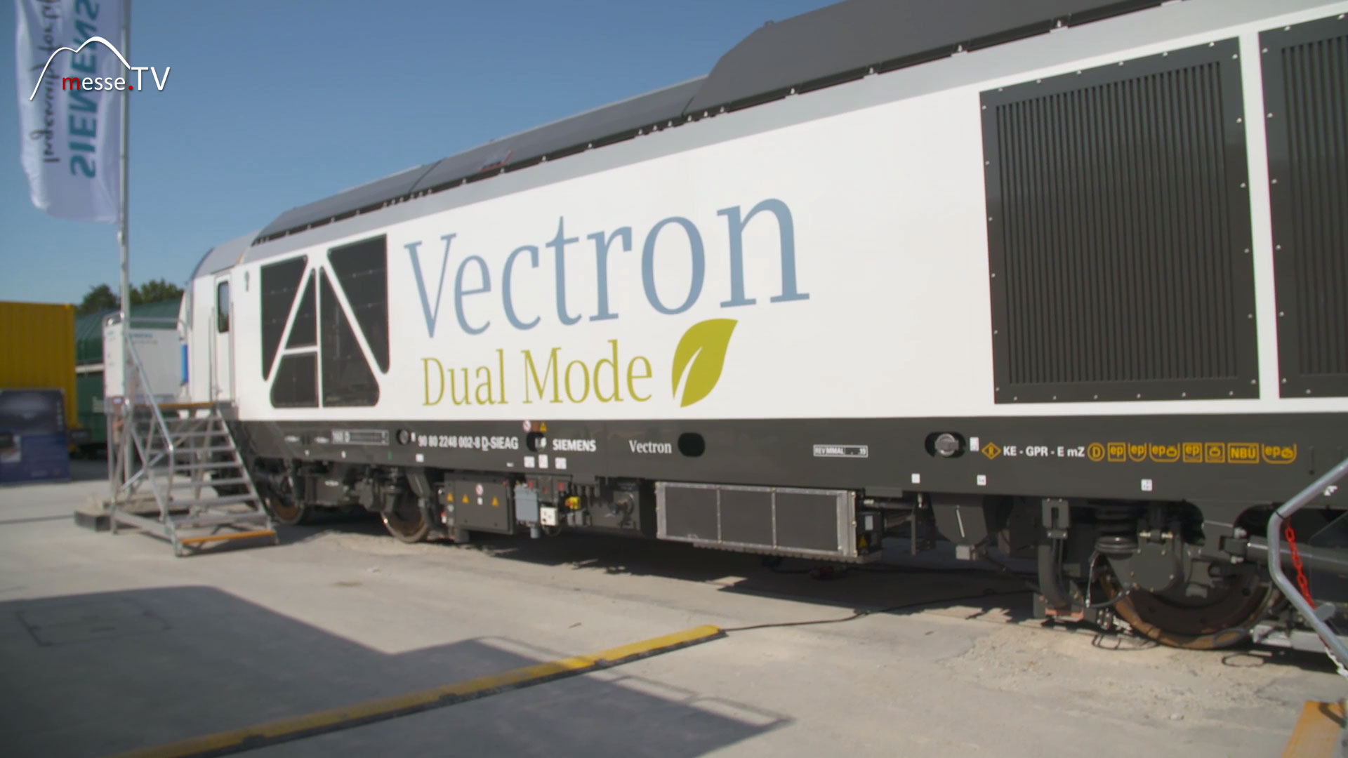 Siemens: Vectron Dual Mode Lok transport logistic München