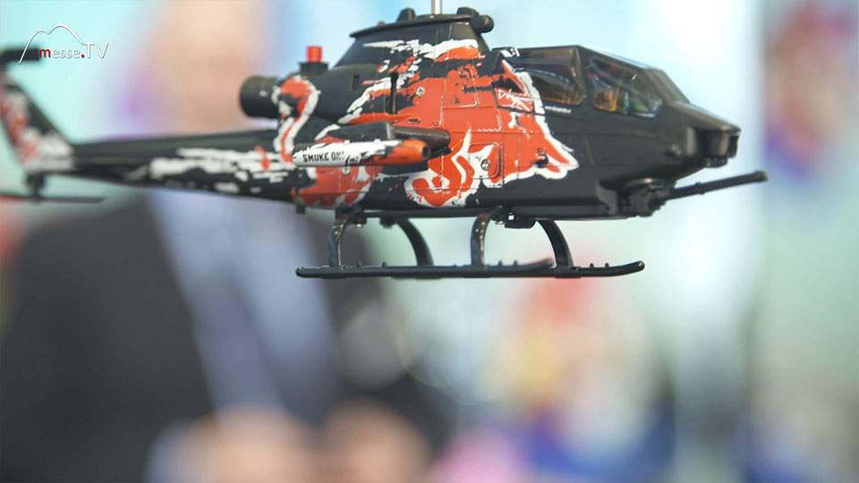 Hubschrauber ferngesteuert in der Luft CarreraRC Spielwarenmesse 2019 Nürnberg