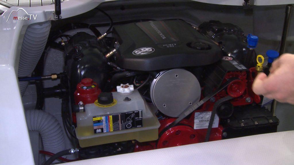 Europe Marine Viper V233 Volvo Penta V6 Motor