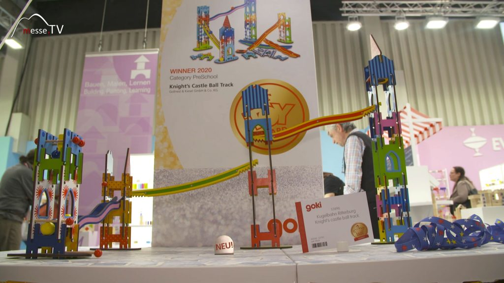 Goki Ritterburg Kugelbahn ToyAward Gewinner