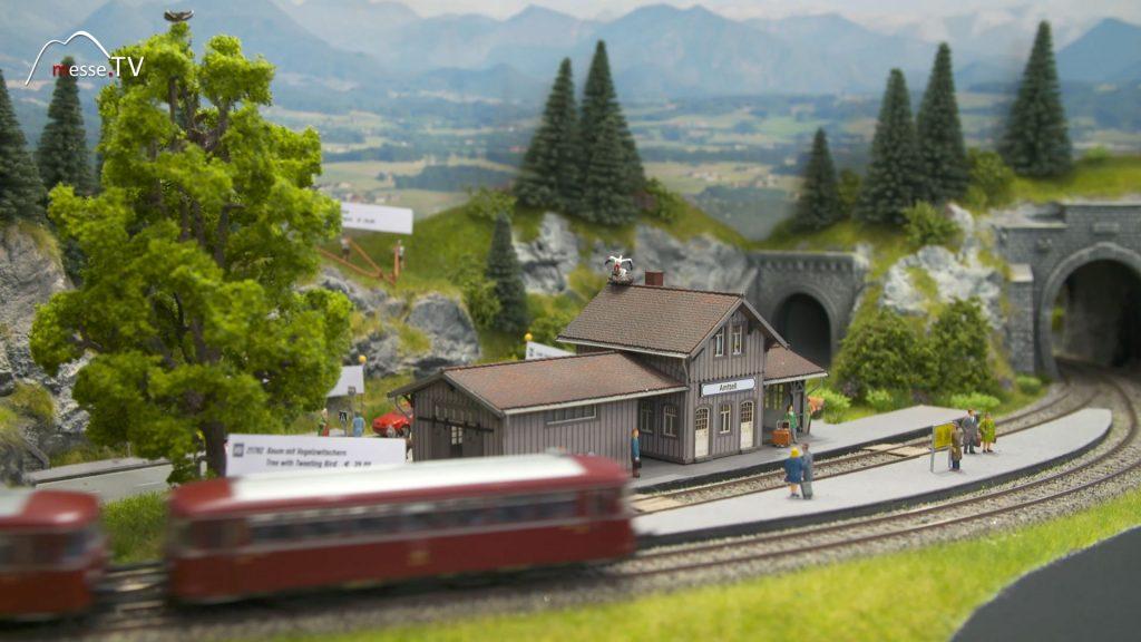 Noch Modellbau Bahnhof mit Figuren
