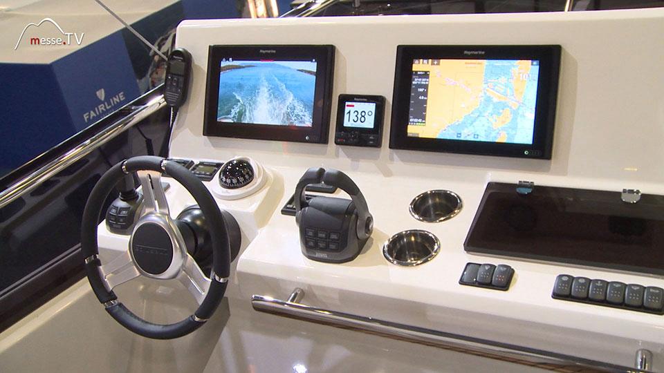Prestige Yacht Steuer