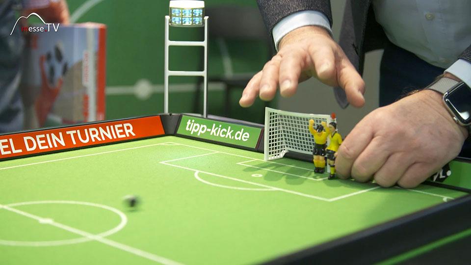 Tipp-Kick Fußballturnier spielen