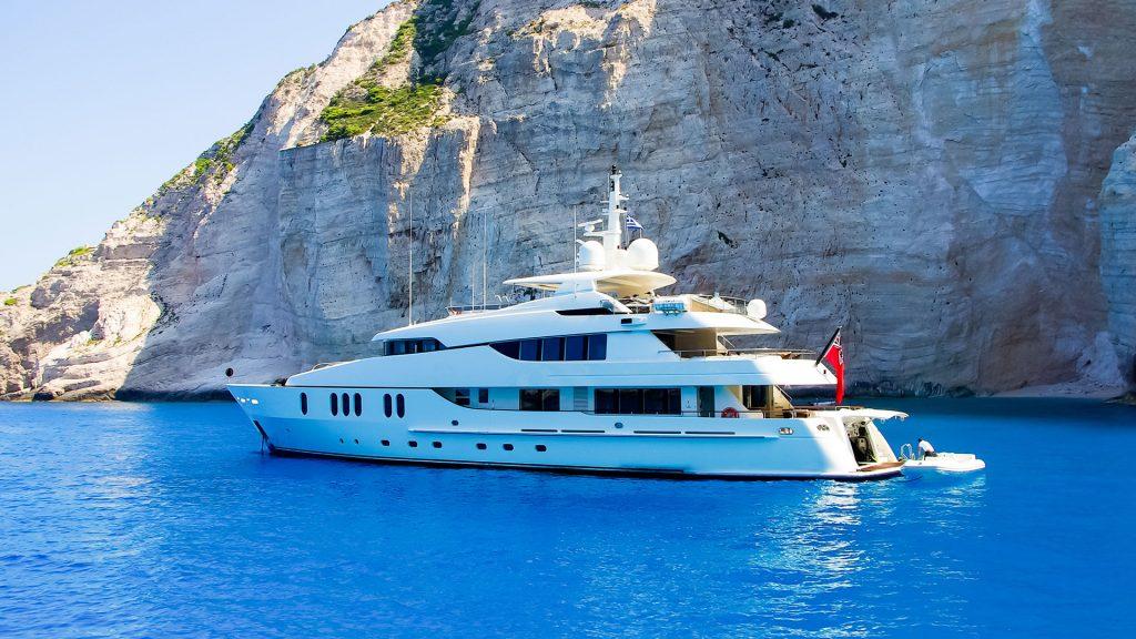 Luxusyacht Urlaub am Meer