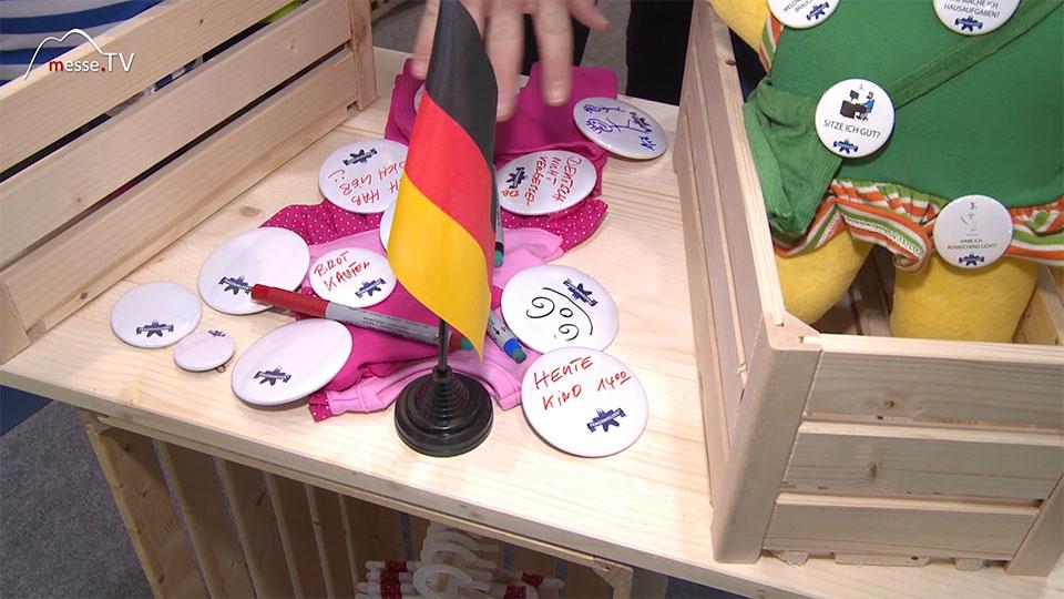 Kinder stellen Fragen Spielwarenmesse
