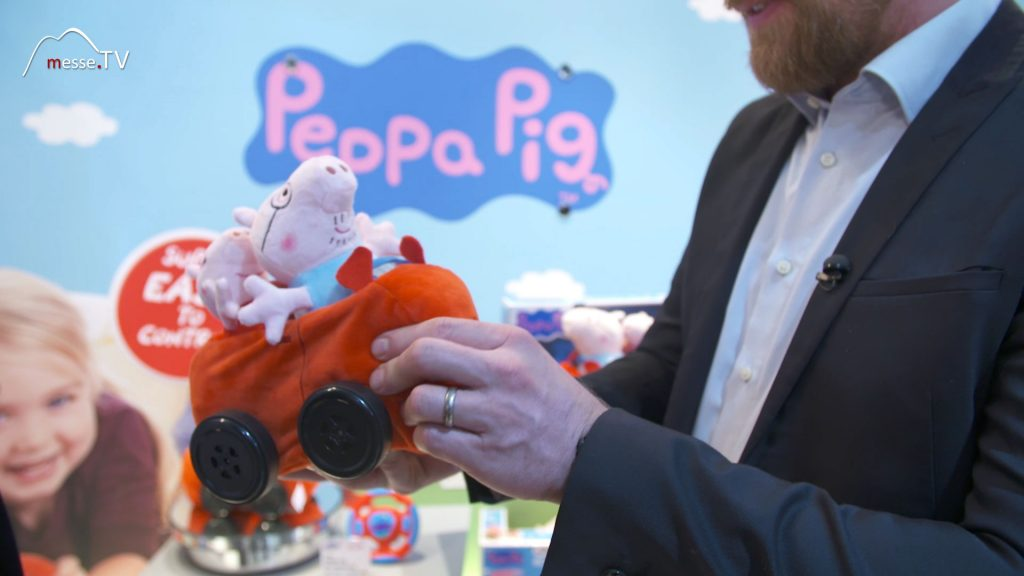 RC Auto aus Plüsch mit Peppa Pig Kuscheltier