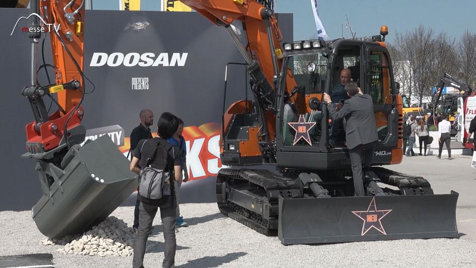 Doosan Bagger 14 Tonnen Roadliner Ketten