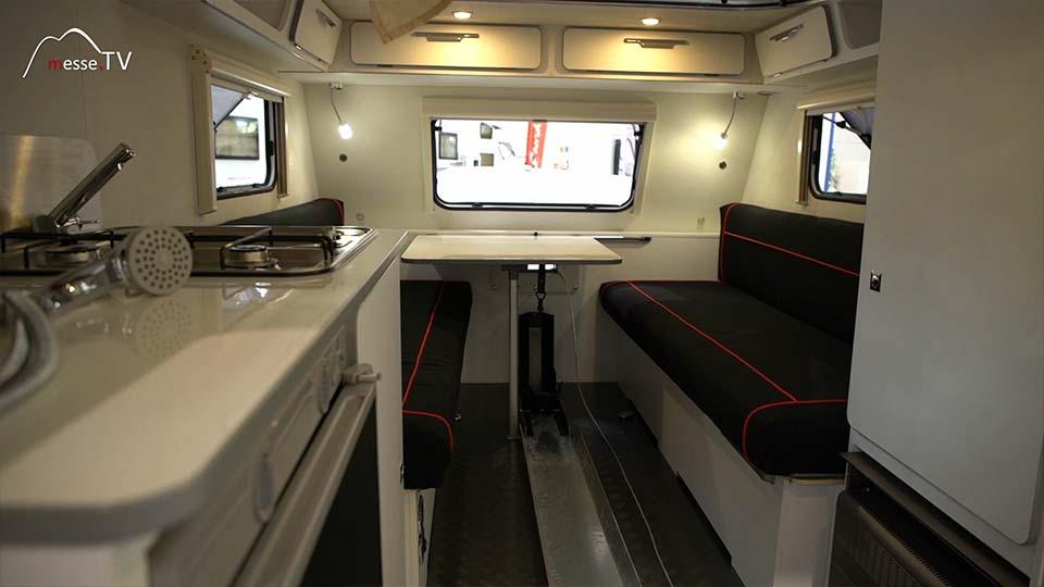 Camping-Service Neuhaus Wohnwagen Racing 300 Ausstattung